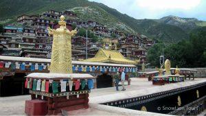 Типография Деге Парканг, традиционная печать тибетских книг, туры в Тибет, Кхам