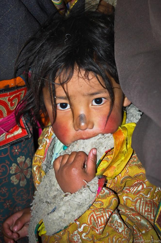 Ребенок, получивший благословение Хаягривы в монастыре Сера