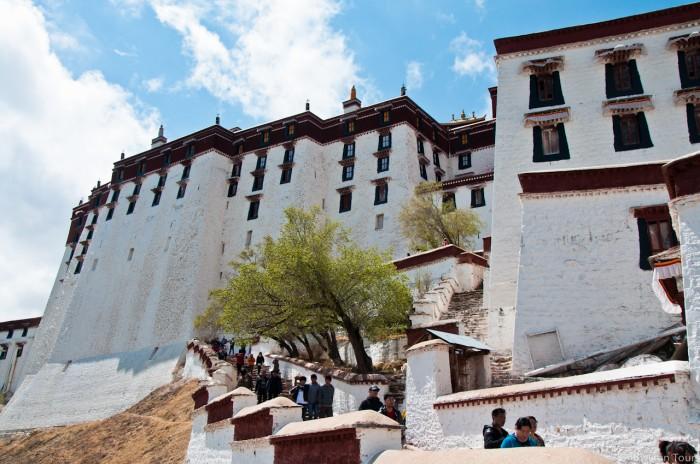 стены дворца Потала