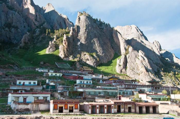 монастырь Цигортханг