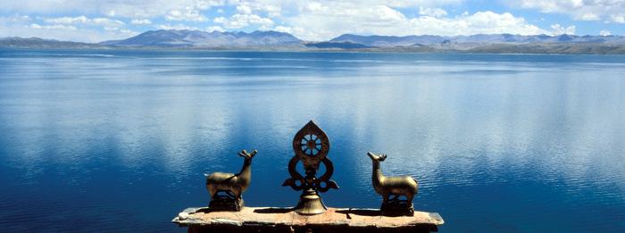 Колесо Дхармы и озеро Манасаровар