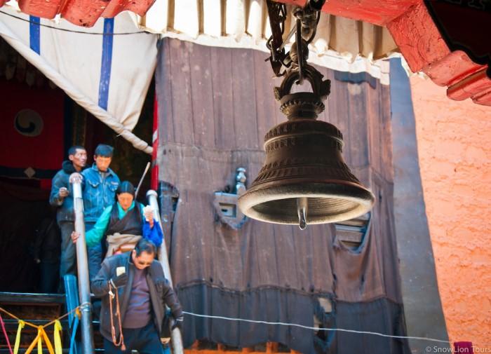Большой колокол в монастыре Ташилунпо, Шигатце