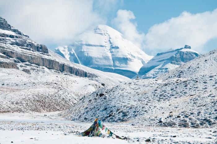 Южное лицо Кайласа и гора Наньди