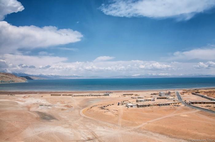 озеро Манасаровар и деревня