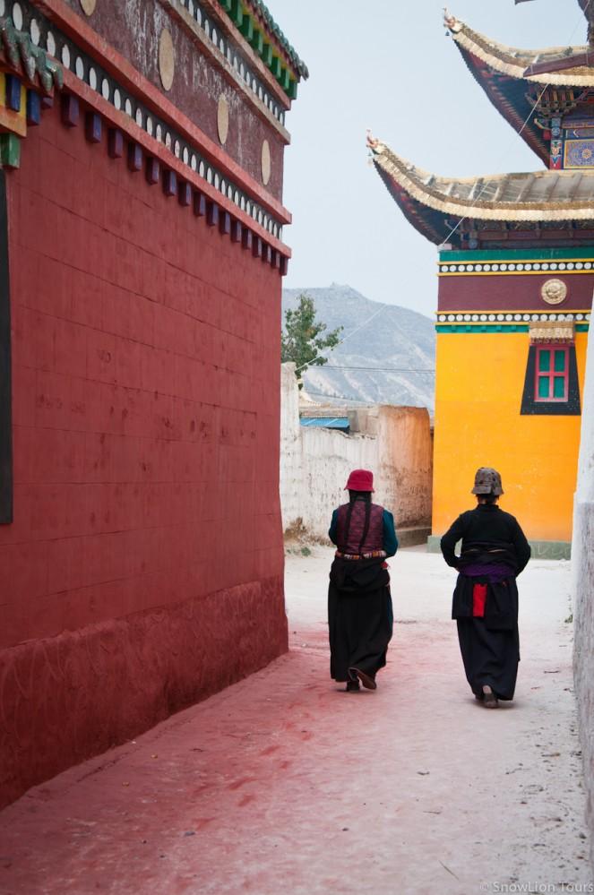 внутри монастыря Ронгву