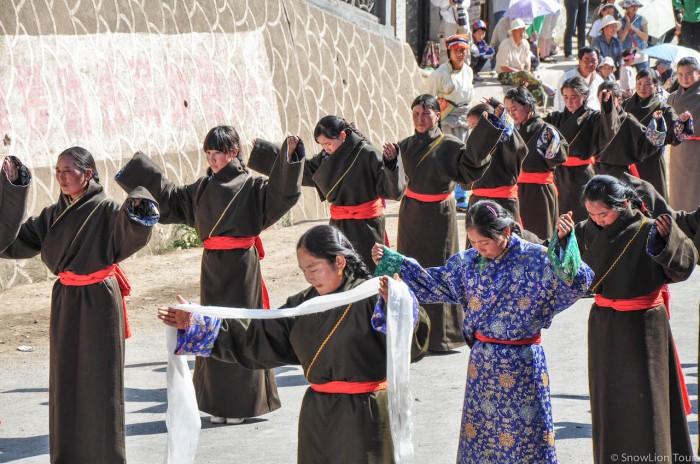 тибетские народные танцы в Ребконге