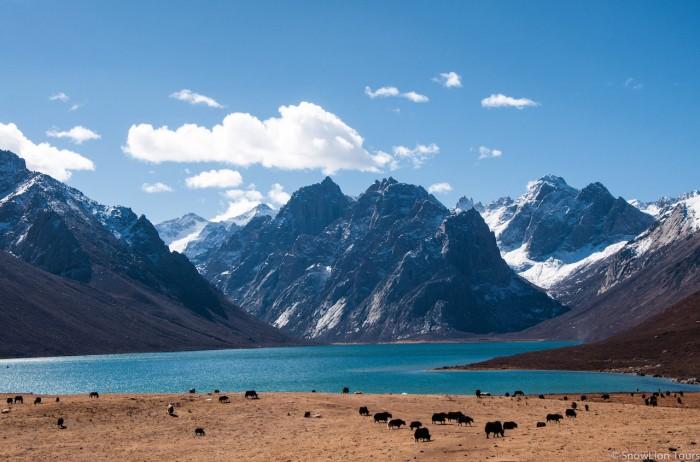 Священная гора Ньенпо Юрце