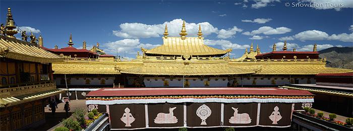 священный храм Джоканг в Лхасе